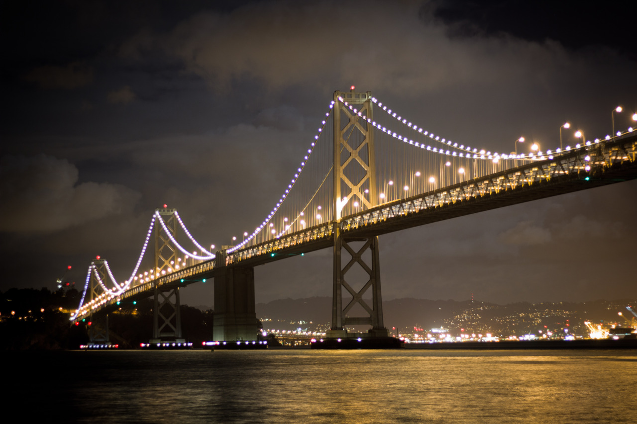 Went out to shoot some pictures of San Francisco last night. Had lots of fun, froze my fingers, and took some pretty nice shots.